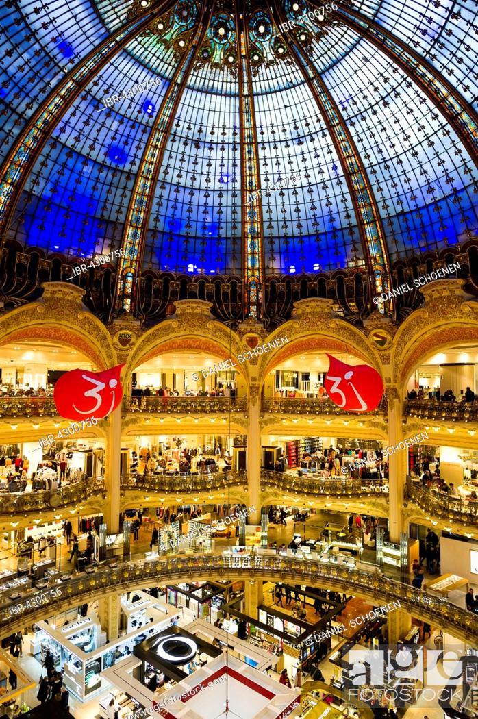 shopping mall with art nouveau dome galeries lafayette paris ile