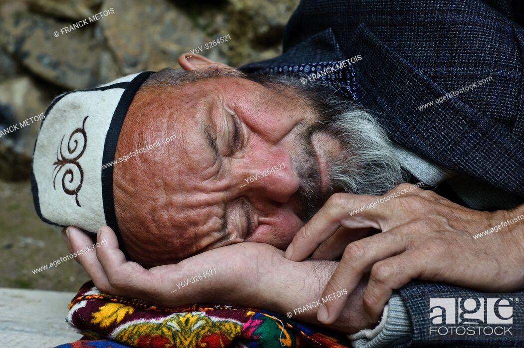 Stock Photo: Kyrgyz man sleeping ( Kyrgyzstan).