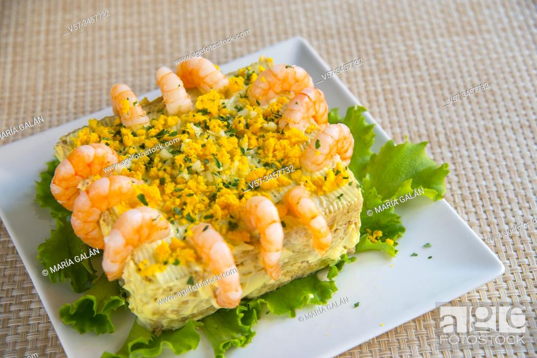 Imagen: Prawn cake with Mayonnaise sauce.