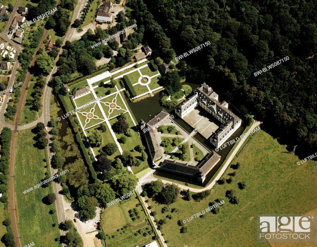 Stock Photo: Ehreshoven Castle, Germany, North Rhine-Westphalia, Engelskirchen.