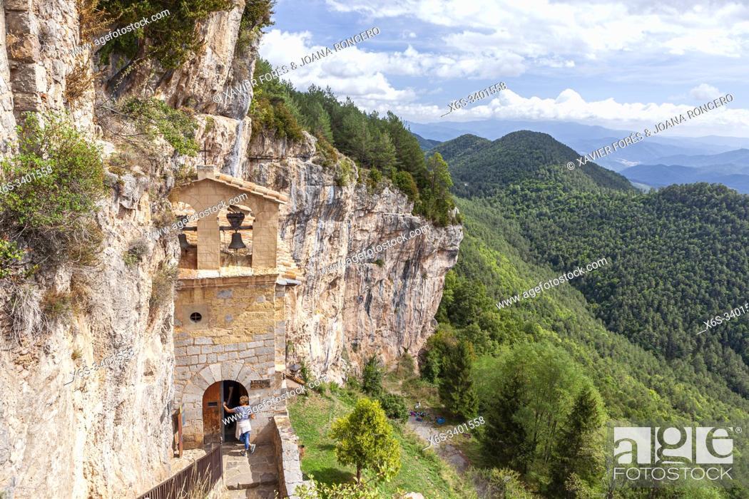 Imagen: Sanctuary of Santa Maria de Montgrony, Serra de Montgrony, Gombrèn, Girona, Spain.