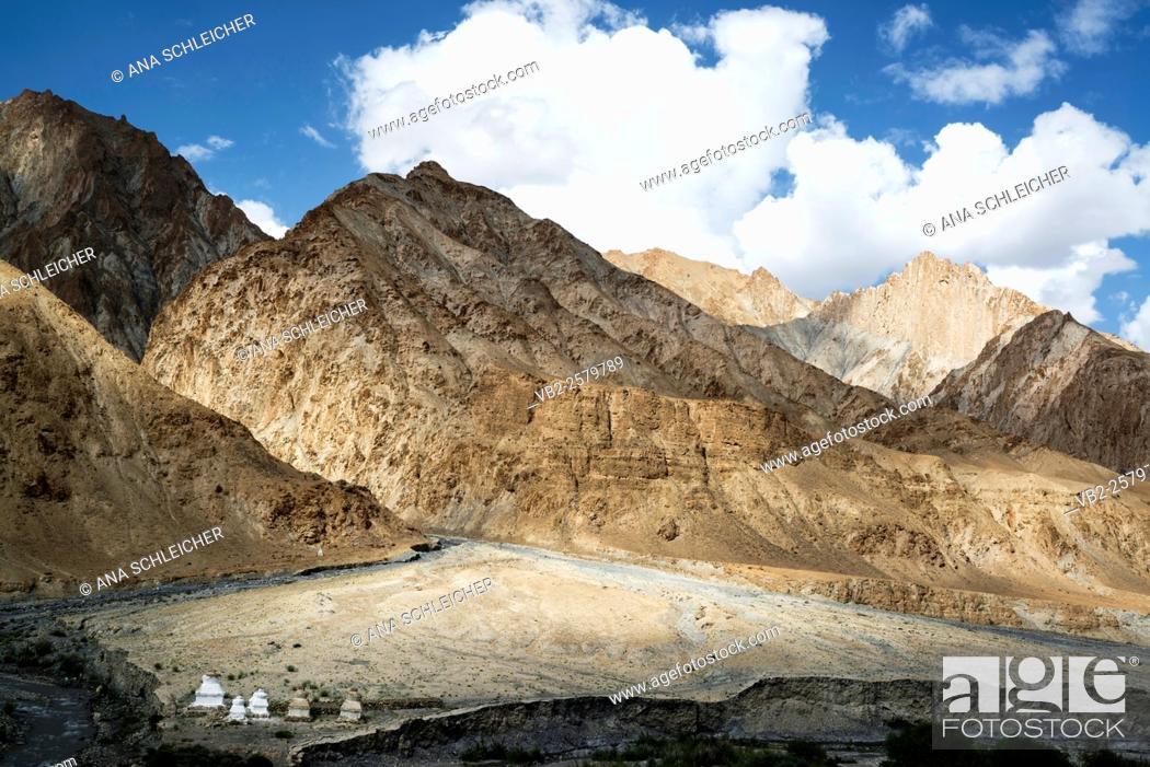 Stock Photo: Trekking in Markha valley (Laddakh, India).