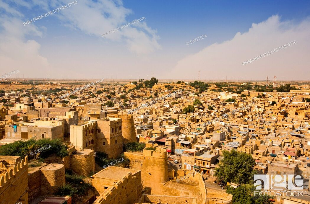 Stock Photo: Town with fort on hill, Jaisalmer Fort, Jaisalmer, Rajasthan, India.