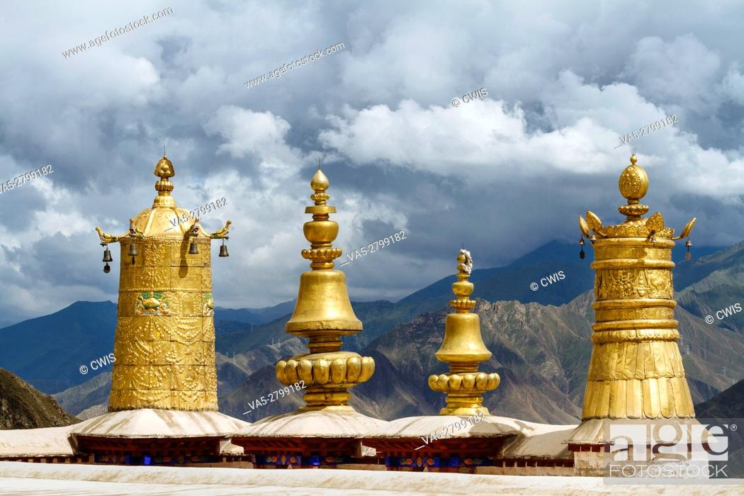 Stock Photo: Lhasa, Tibet - The view in Drepung Monastery, the biggest Buddhism Monastery in the world.