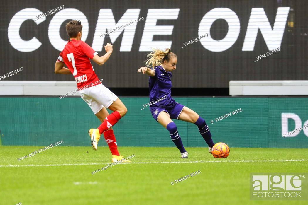 Stock Photo: Standard's Maurane Marinucci and Anderlecht's Tessa Wullaert pictured during the soccer match between RSCA Anderlecht and Standard de Liege.
