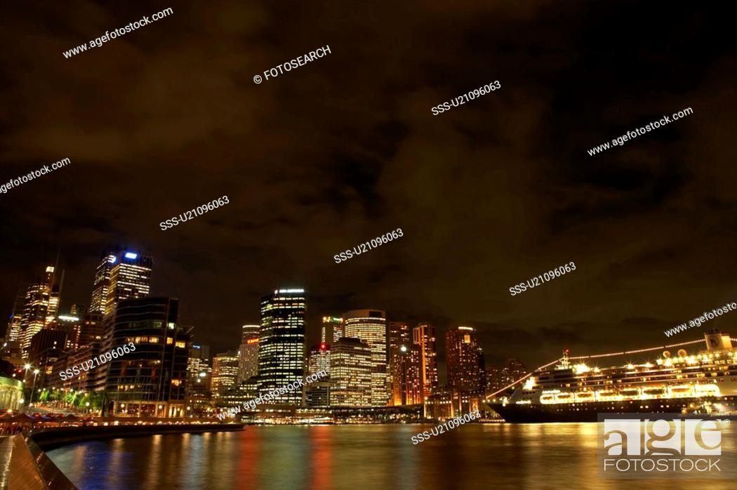Stock Photo: Night view of Sydney Harbour, Australia.