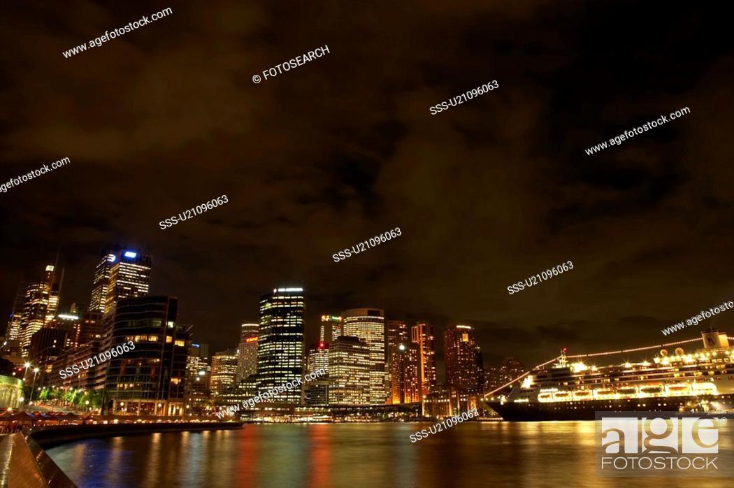 Stock Photo: Night view of Sydney Harbour, Australia.