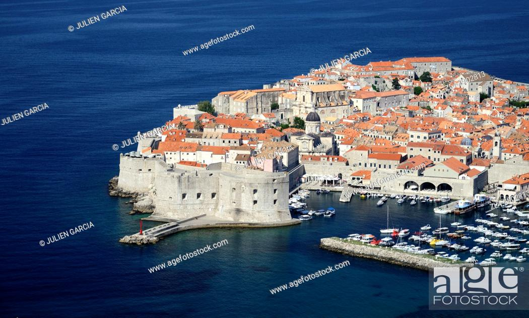 Stock Photo: Croatia, Dalmatia, Dalmatian Coast, Dubrovnik, historical centre listed as World Heritage by UNESCO, harbour and city walls.