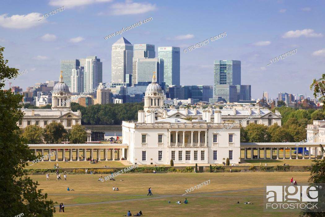 Imagen: View of the Queen's House and Canary Wharf, London, England, UK.