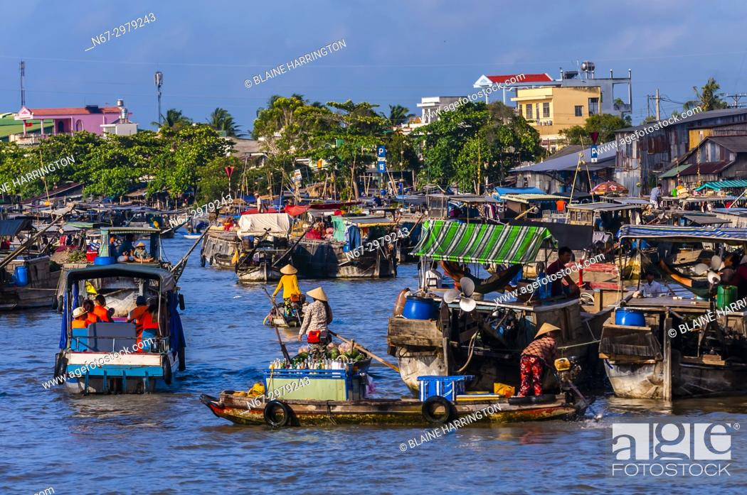 Stock Photo: Cai Rang Wholesale Floating Market, near Can Tho, Mekong Delta, Vietnam.
