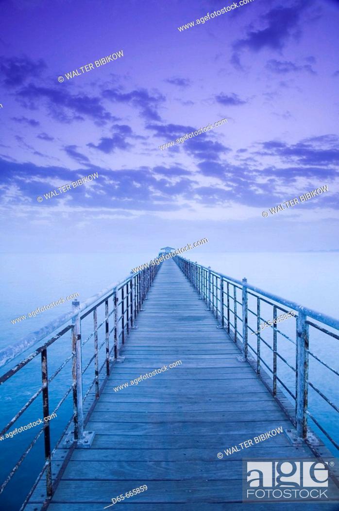 Stock Photo: KUWAIT-Kuwait City: Pier on the Arabian Gulf by Kuwait Towers / Dawn.
