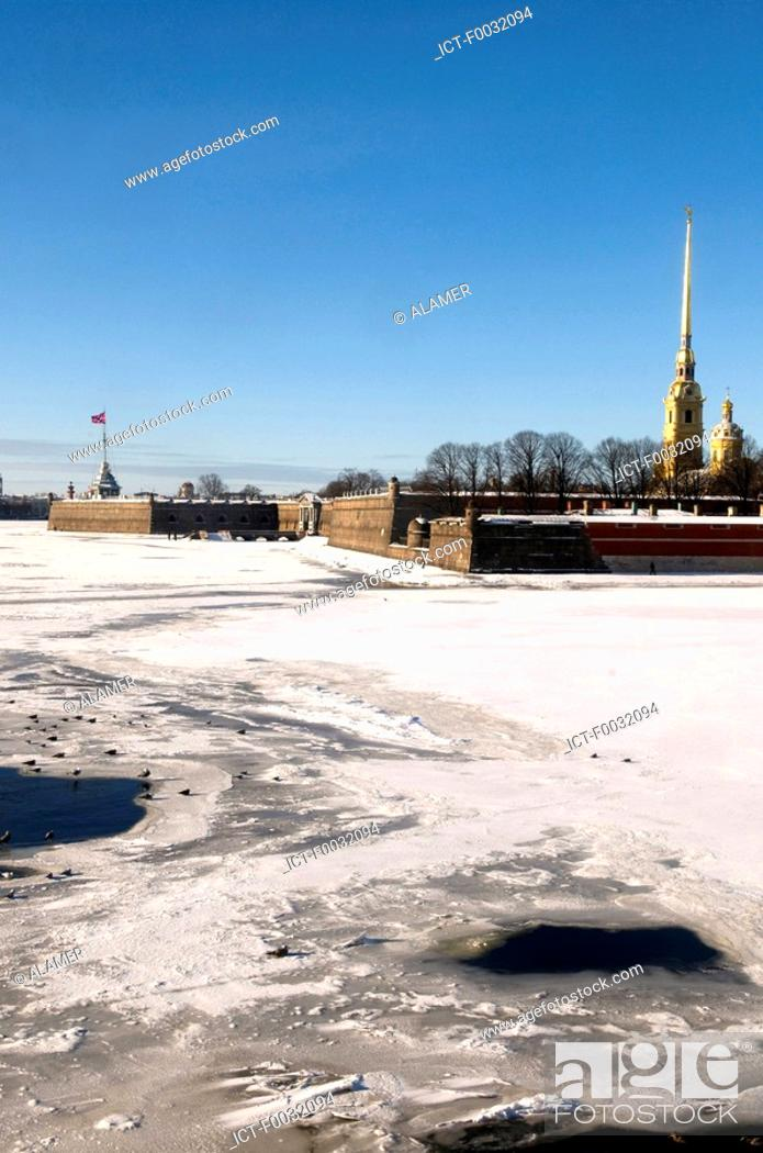 Stock Photo: Russia, St Petersburg, Vassilievski island, the Peter and Paul fortress.
