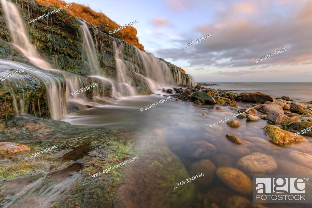 Imagen: Osmington Mills, Jurassic Coast, Weymouth, Dorset, England, United Kingdom.