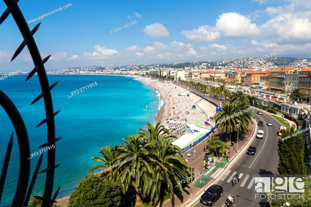 Photo de stock: Nice, French Riviera, Cote d'Azur, France. Beach and Promenade des Anglais seen from Parc de la Colline du Chateau, or Castle Hill.
