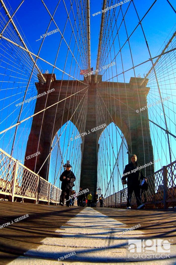 Stock Photo: USA, New York City, Brooklyn Bridge, Manhattan.