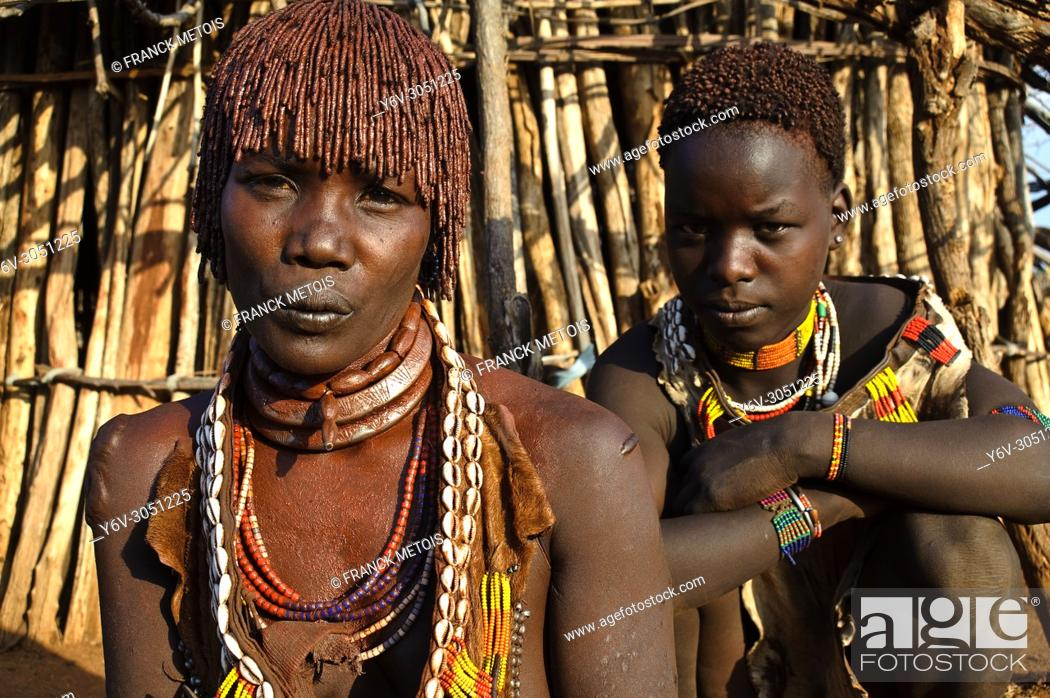 Stock Photo: Mother and daughter belonging to the Hamer tribe ( Omo valley, Ethiopia).