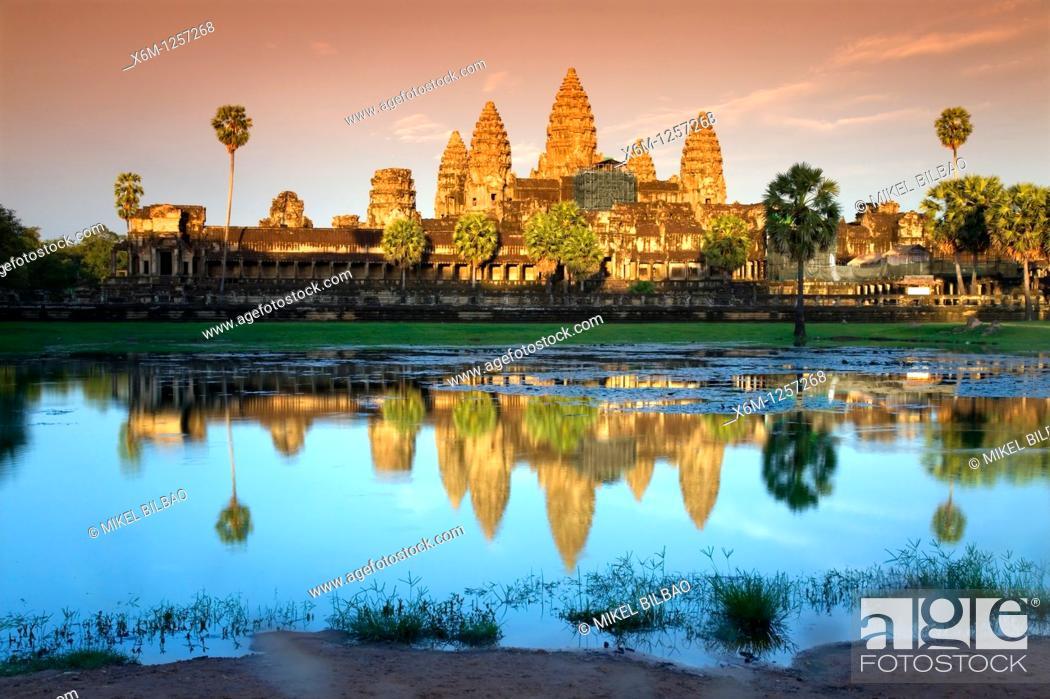 Imagen: sunset in Angkor Wat  Angkor temples  Cambodia, Asia.