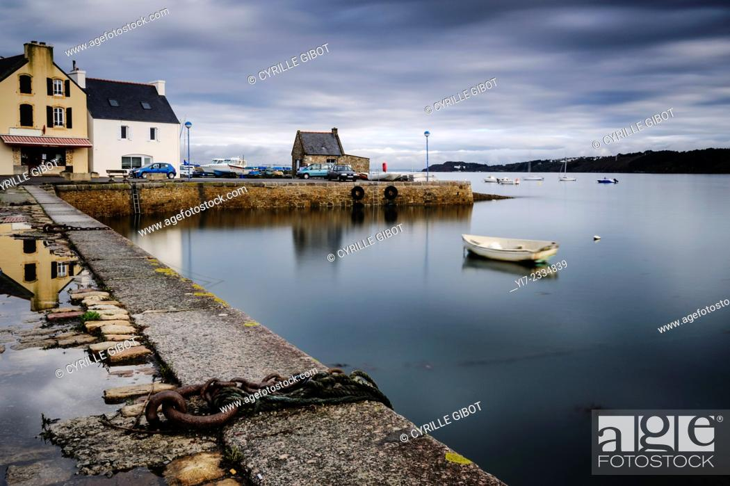 Stock Photo: The harbour of Le Fret, a village on the Crozon Peninsula, Finistere, Brittany, France.