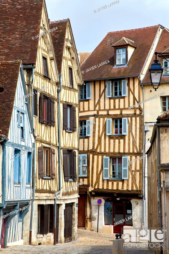 Stock Photo: Rue de la Marine, Auxerre, Yonne, Burgundy, Bourgogne, France, Europe.