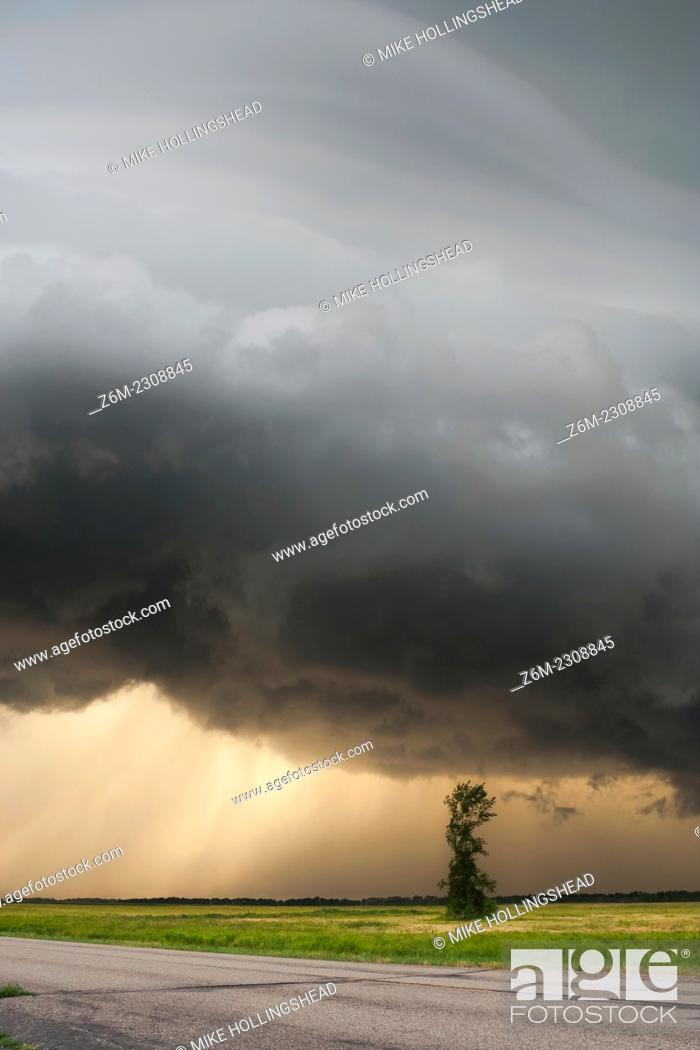 Stock Photo: Supercell storm passes near the town of Colfax North Dakota August 5, 2006.