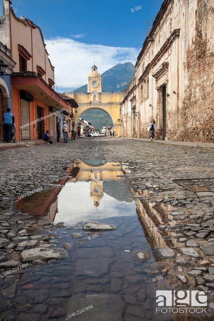 Stock Photo: Guatemala, Antigua, Santa Catarina arch.