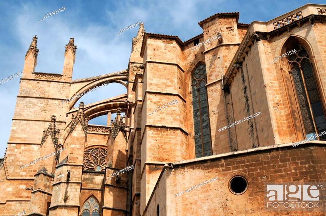 Stock Photo: Spain, Balearic Islands, Majorca, Palma de Mallorca, Santa Maria cathedral.