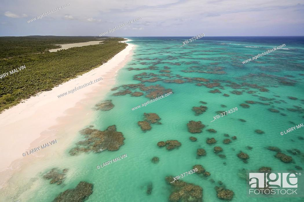 Stock Photo: Aerial view of the dotted coral formations along the Atlantic Ocean side of Cat Island, Bahamas.