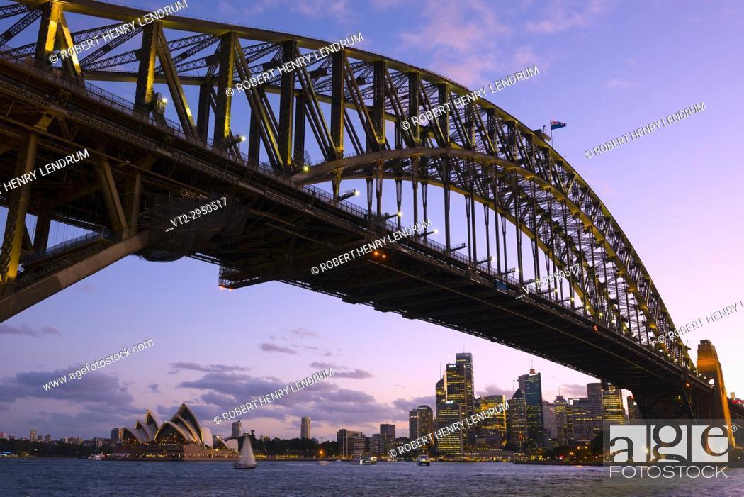 Stock Photo: Sydney harbor bridge and Opera House, Sydney, Australia.