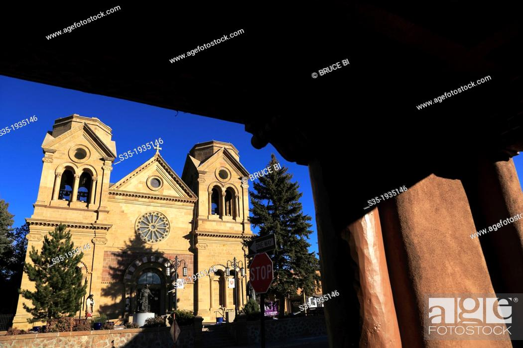 Imagen: The Cathedral Basilica of St. Francis of Assisi. Santa Fe. New Mexico. USA.