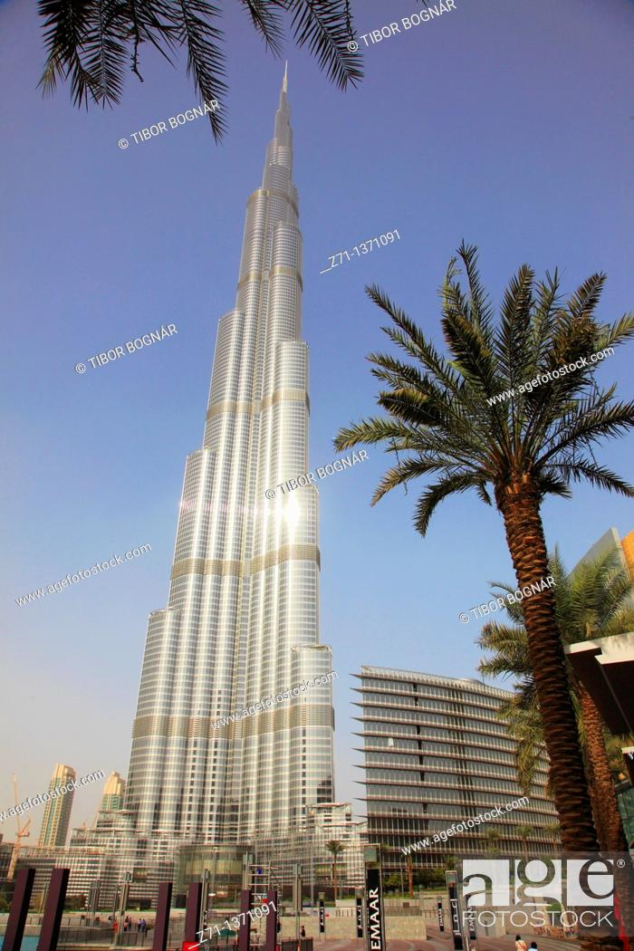 Stock Photo: United Arab Emirates, Dubai, Burj Khalifa,.
