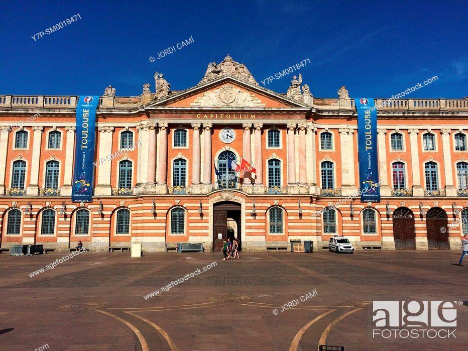 Stock Photo: Town Hall, Place du Capitole. Toulouse.Haute Garonne.France.