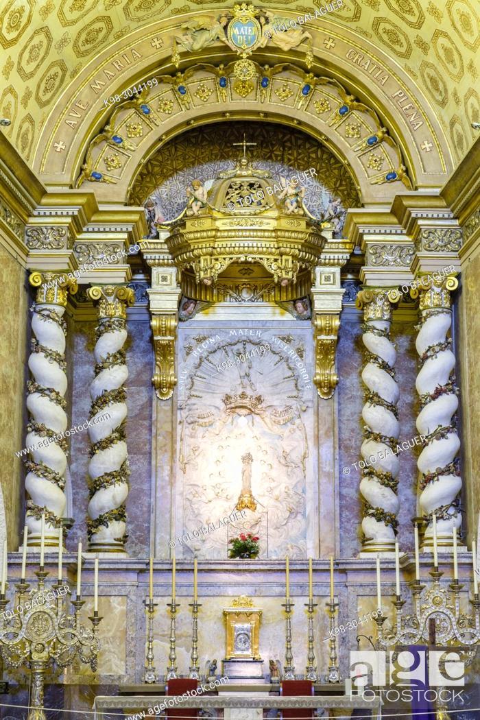 Imagen: imagen de la Virgen, que desde el siglo XV era venerada en el santuario, iglesia de la Mare de Déu de Sant Salvador, siglo XVIII, Santuario de Sant Salvador.