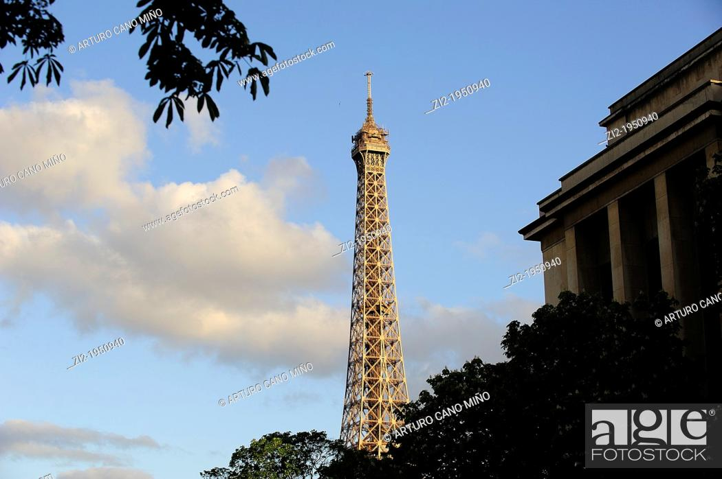 Stock Photo: Tour Eiffel. Paris, France.