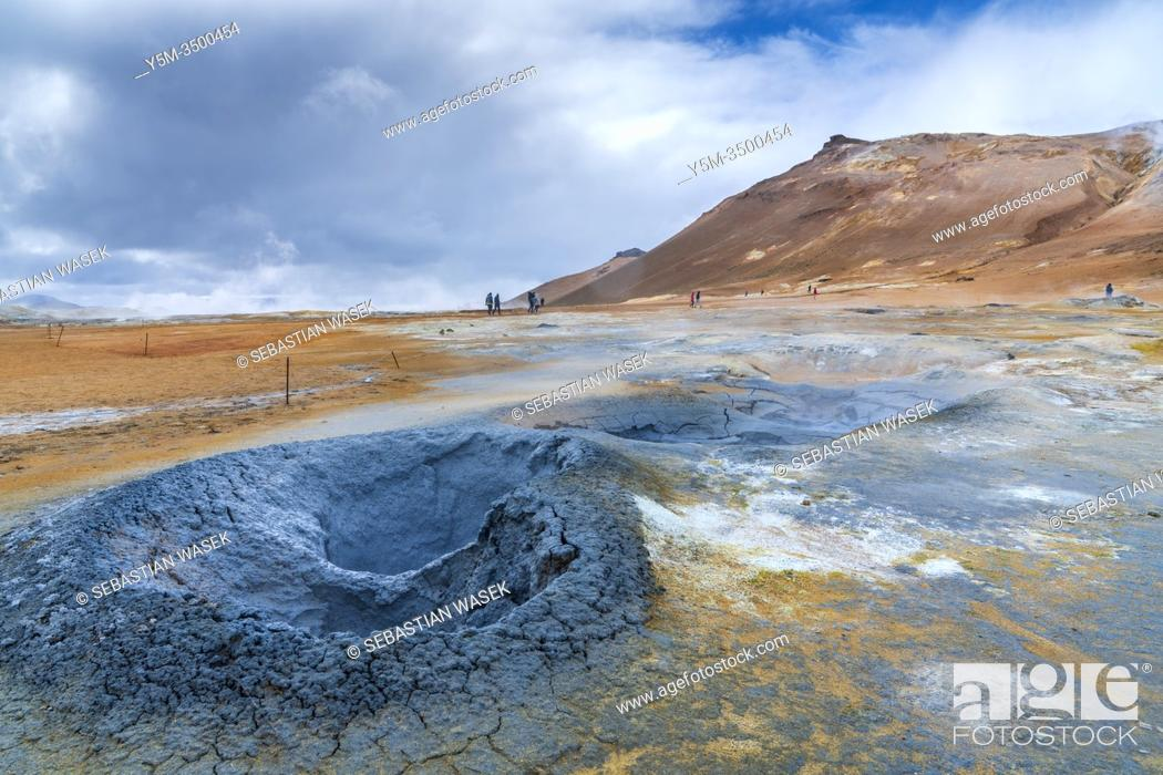 Imagen: Geothermal field of Hverir, Northwestern Region, Iceland.