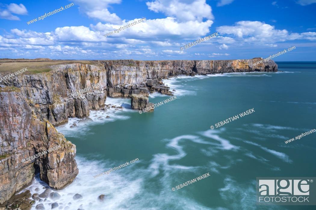 Stock Photo: Pembrokeshire Coast National Park, Bosherston, Wales, UK.