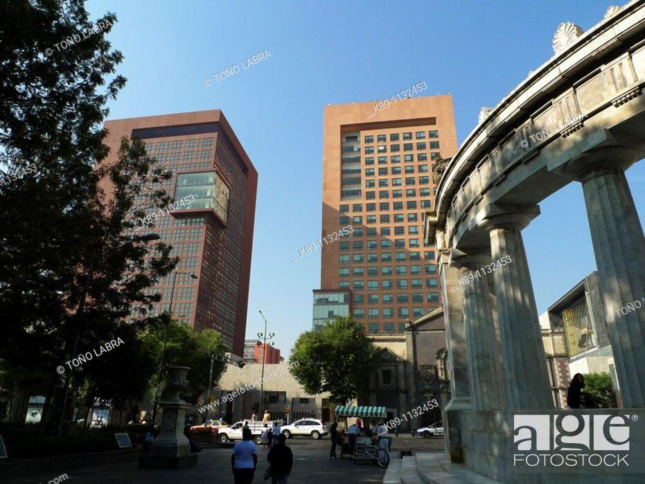 Stock Photo: Secretaría de Relaciones Exteriores. Plaza Juárez. Ciudad México.