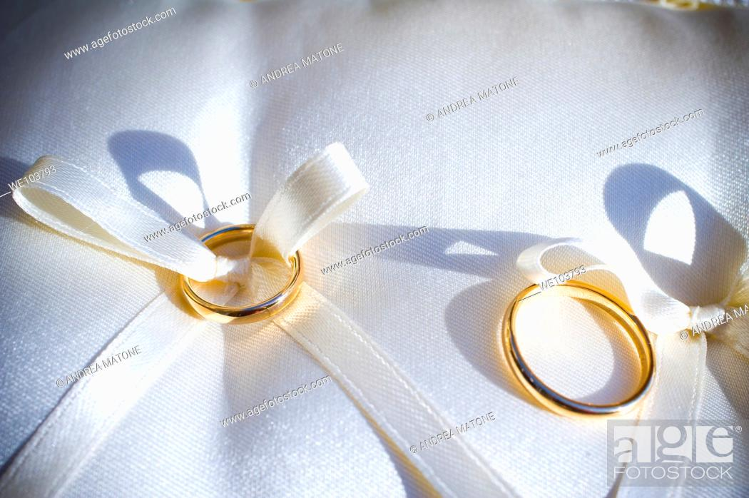 Stock Photo: Wedding rings, close-up.