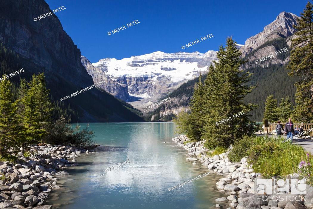 Imagen: Lake Louise in the Rocky Mountains of Banff National Park - Alberta, Canada.