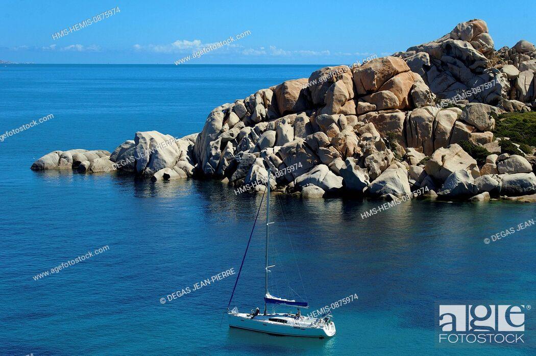 Stock Photo: Italy, Sardinia, Olbia Tempio Province, Santa Teresa Gallura, Capo Testa, granite peninsula overlooking the Strait of Bonifacio in Corsica face.