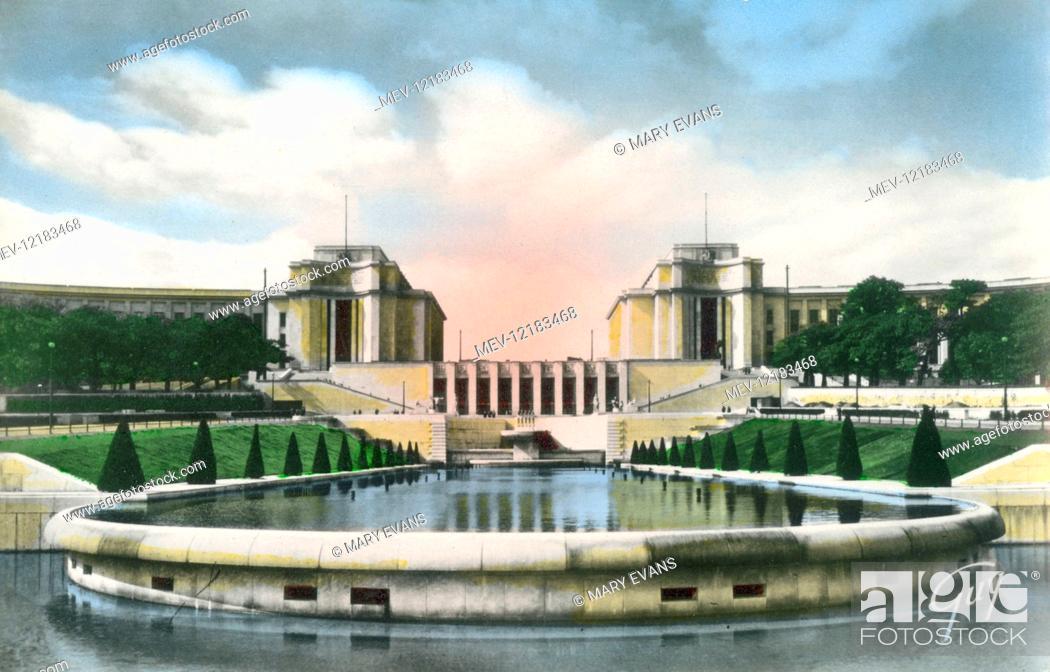 Stock Photo: Paris, France - Palais de Chaillot - View of the Gardens (Architects: Azena, Boileau and Carlu) (1937).