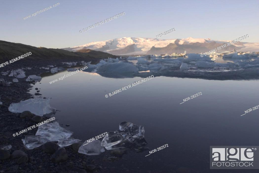 Stock Photo: A mountain lakeside.