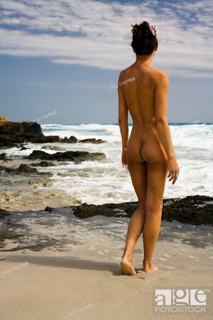Stock Photo: Nude woman, beach.