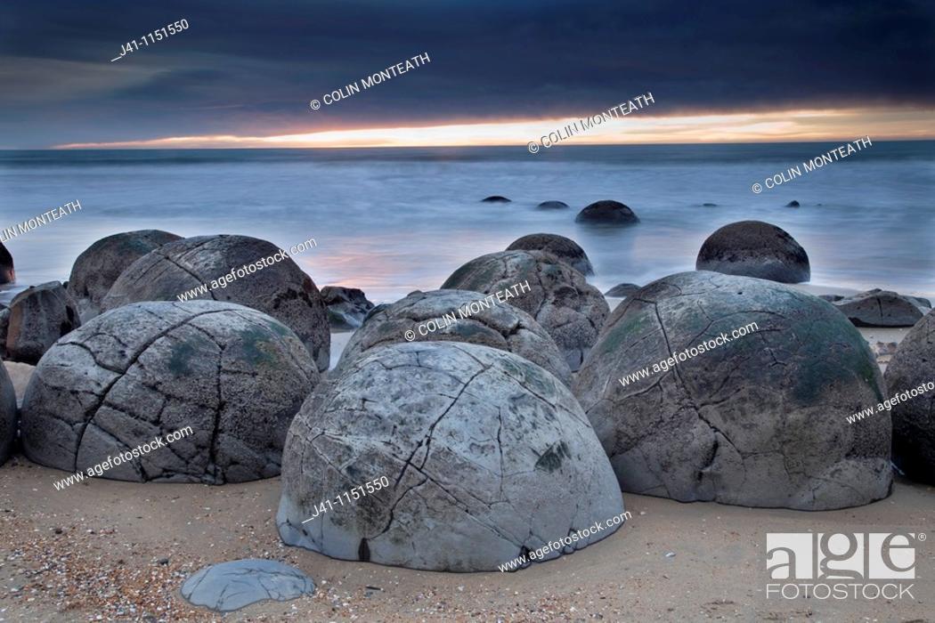 Stock Photo: Moeraki boulders, septarian concretions, Moeraki, North Otago Coast, New Zealand,.