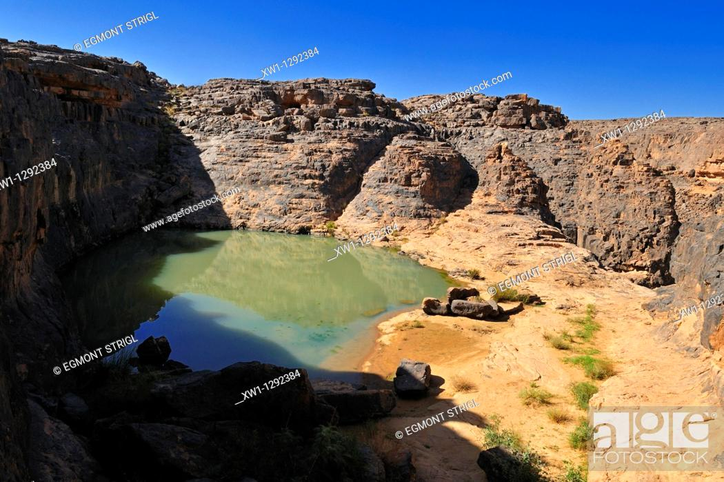 Stock Photo: Guelta, waterhole at Dider Valley, Tassili n' Ajjer National Park, Unesco World Heritage Site, Illizi Province, Algeria, Sahara, North Africa.