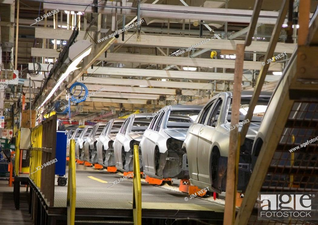 Stock Photo: Sterling Heights, Michigan - Assembly line for the 2007 Chrysler Sebring sedan at DaimlerChrysler's Sterling Heights Assembly Plant.