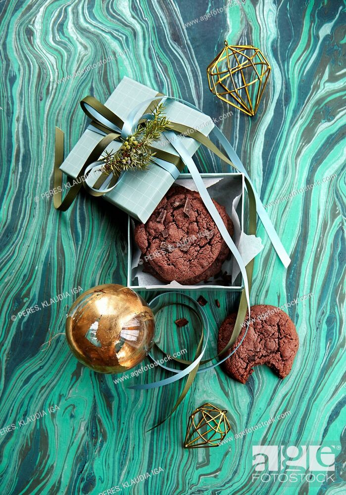 Photo de stock: Christmas Gifts: Chocolate cookies.