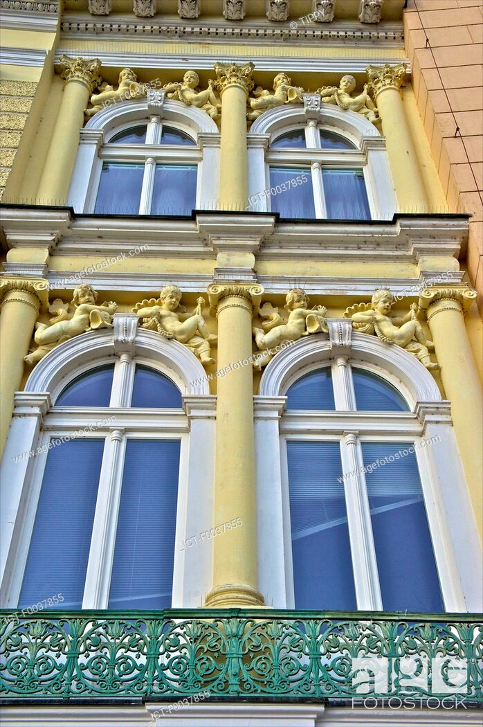 Stock Photo: Czech Republic, Prague, facade, baroque style.