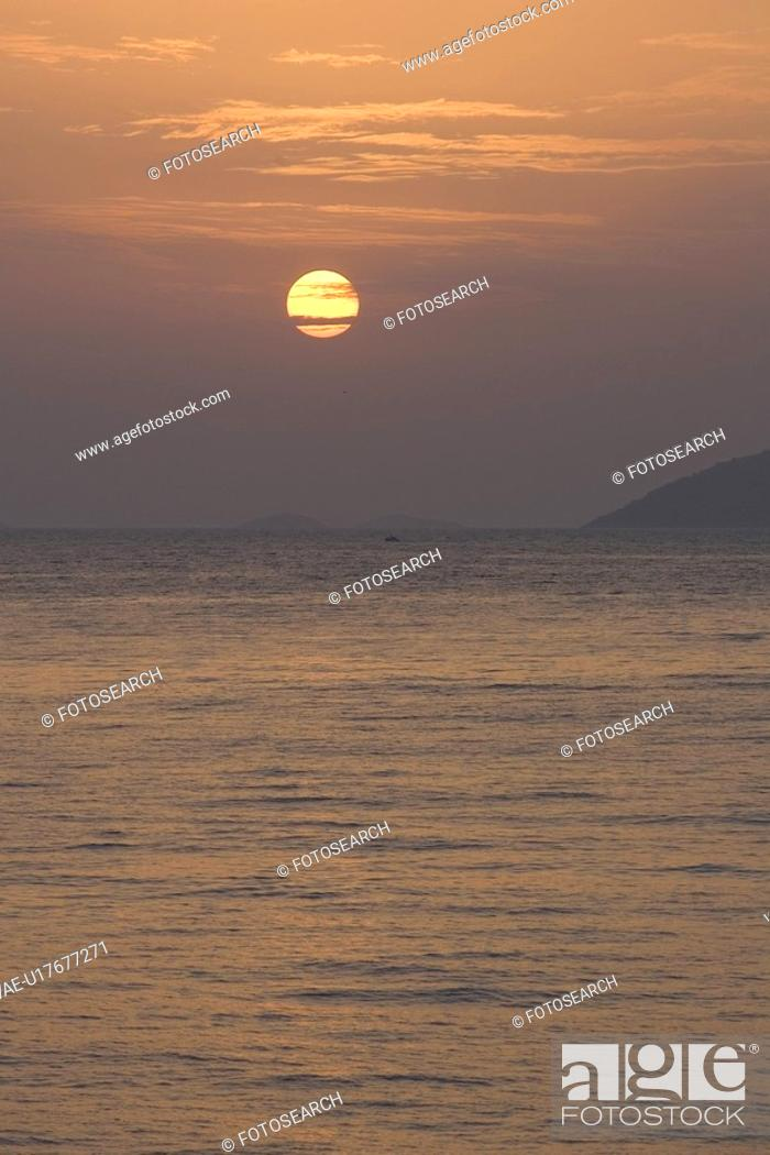 Stock Photo: Cloud, Dusk, Hill, Horizon Over Water.