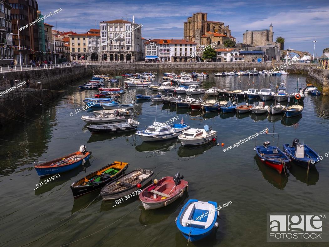Stock Photo: Spain, Cantabria, Santander, Castro Urdiales.