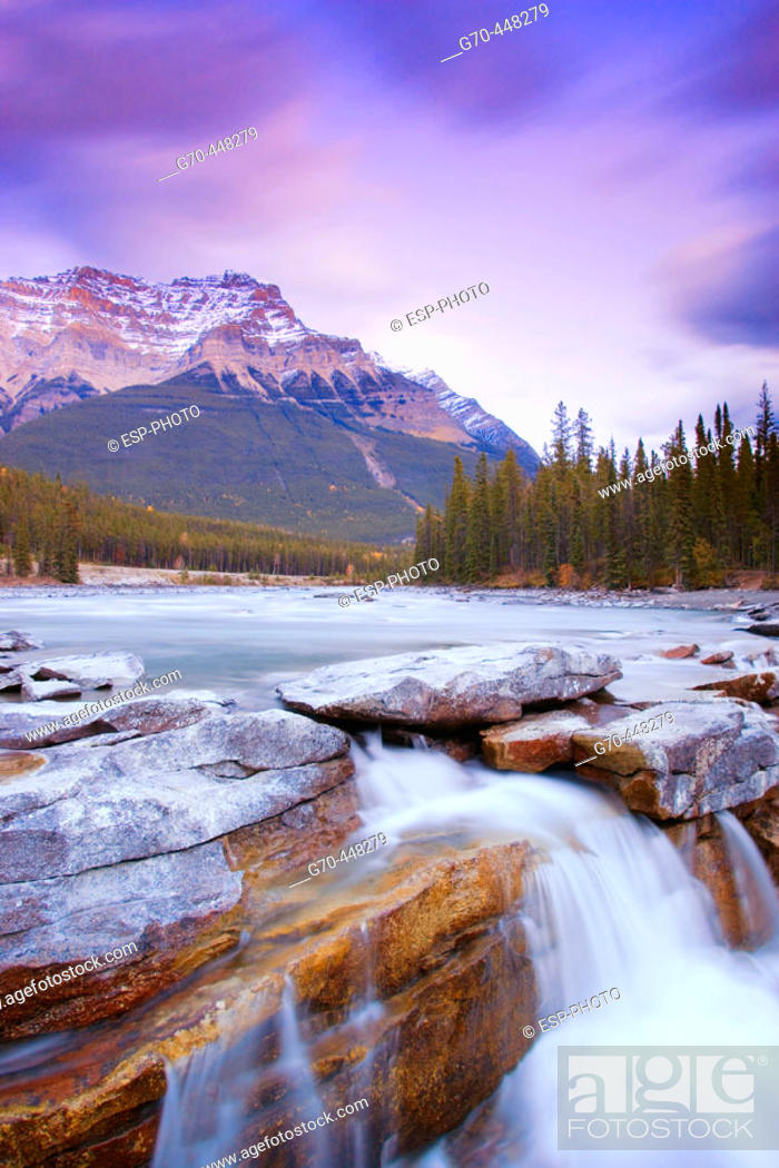 Stock Photo: Athabasca Falls and Mount Kerkeslin. Jasper National Park. Alberta. Canada.